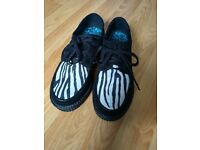 Ladies or Girls creeper shoes. Size 3.