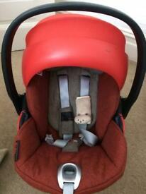 Cybex Cloud Q plus car seat and isofix base