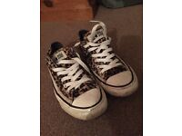 Leopard print converse size 6 used