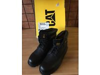 MENS CAT BOOTS SIZE 8 (BRAND NEW)