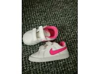 Baby girl shoes Nike size 4.5
