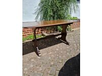"""solid oak dining table 30"""" x 58"""" very good condition"""