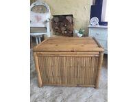 Bamboo storage chest/ toys box/ ottoman