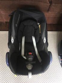 Maxi Cosi Cabriofix car seat and iso fix