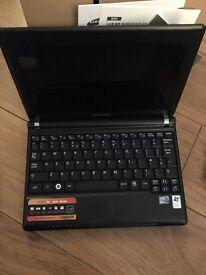 BLACK SAMSUNG N110 NETBOOK FOR SALE