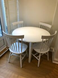 1 table and 4 chairs - excellent condition