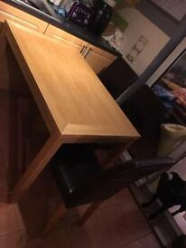 **Reduced** Oak Table & Chairs