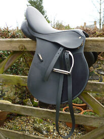 Wintec Saddle with accessories