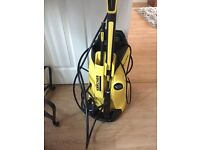 Pressure washer with box .... used once
