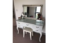 Antique style/ vintage dressing table