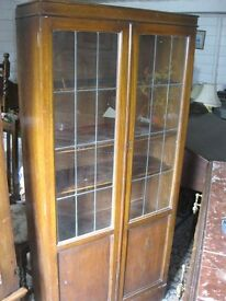 VINTAGE ORNATE GLAZED OAK TALL BOOKCASE - DISPLAY CABINET. VIEWING/DELIVERY AVAILABLE