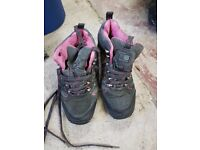 Karrimor size 6 ladies shoes. Almost brand new. Only used for Duke Of Edinburgh trips