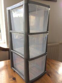 Small plastic 3 storage drawers