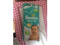Pampers size 3 nappies (45 nappies)