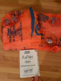 Zoggs roll up arm bands