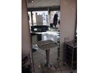 Hairdressing salon mirror stations