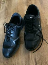 Size 6 leather golf shoes