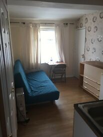 Self contained Annex to Let