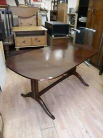 Exstending dining table