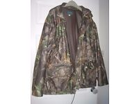 GENTS CAMOFLAGE JACKET AND TROUSERS - LARGE - GREAT CONDITION