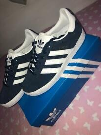 Adidas gazelles navy blue brand new in box siE 2