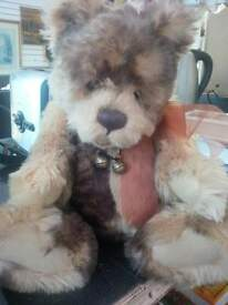 STUNNING CHARLIE BEAR FROM COLLECTABLES MOVEABLE HEAD ARMS AND LEGS SO CUTE AND CUDDLY STUNNING BEAR