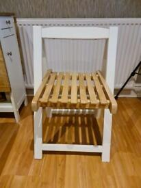 Dining Table and Four chairs. Foldable.