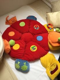 **EXCELLENT CONDITION - BABY PLAY MAT**