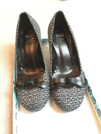 Bertie ladies heels size 38