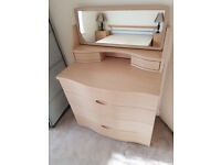 BEAUTIFUL ALSTONS SYNERGY CHEST OF DRAWERS AND MIRROR UNIT