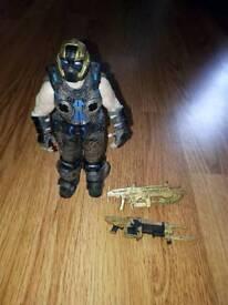 Gears of war golden cog figure