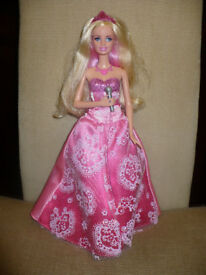 Barbie 'Princess and the Popstar' Tori Microphone Singing Transformation Doll. Christmas..