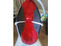 AMAZING 4 moms Mamaroo Baby swinging chair