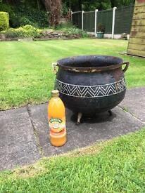 Antique Kettle Primitive Cast Iron 3-Leg 5 Quart Bulge Pot Cauldrons