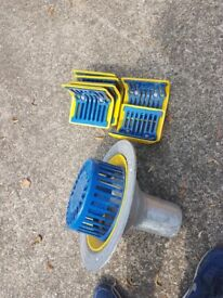 Cast aluminium gutter outlets