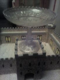 Lovely glass cake stand ?