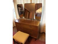 Solid wood dressing table with adjustable mirrors