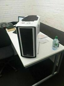 Special Edition White Graphite Series™ 600T Mid-Tower Case good condition and fully working