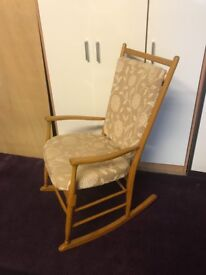Oak rocking chair in excellent condition