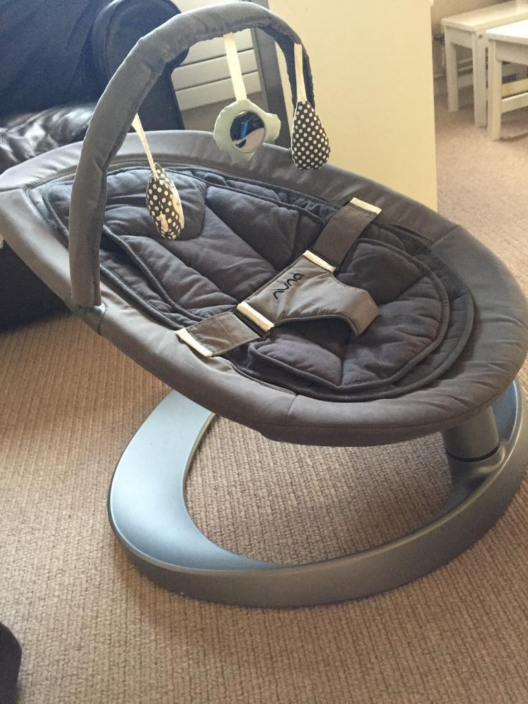 Nuna Leaf Curve Rocker Chair With New Toy Bar Excellent