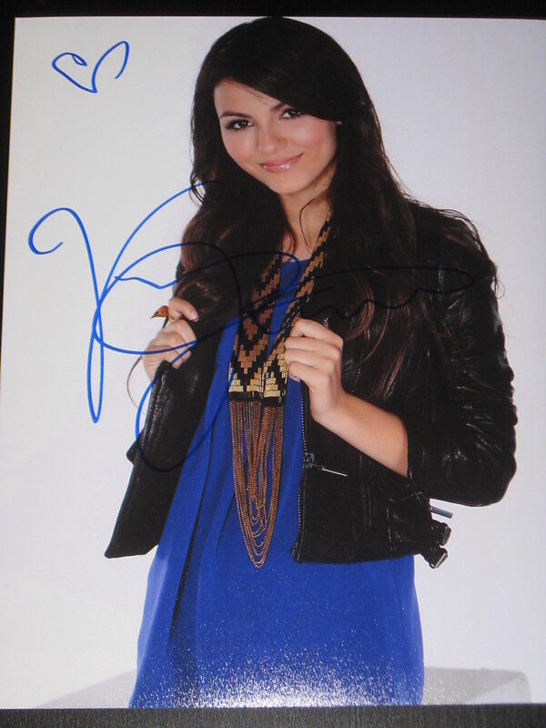 VICTORIA JUSTICE SIGNED AUTOGRAPH 8x10 VICTORIOUS NY C