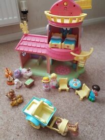 Happyland windmill with figures