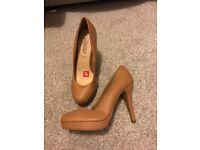 Tan heeled shoes - brand new