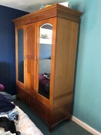 Large double wardrobe (mirrored)