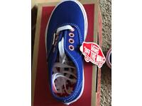 Brand new in box boys Vans trainers size Infant UK 10 in blue and red