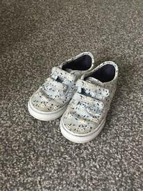 Little Girls vans size 7.5