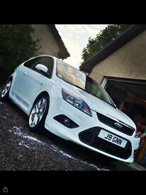 Immaculate Ford Focus Zetec S in Frozen White