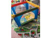 Playpen/travel cot