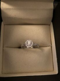 BEAUTIFUL ERNEST JONES 18 CT WHITE GOLD .31CT DIAMOND RING COST £1750 NEW EXCELLENT CONDITION