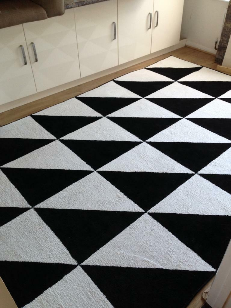 b w ikea sillerup rug large 2m x 3m vgc in emsworth hampshire gumtree. Black Bedroom Furniture Sets. Home Design Ideas